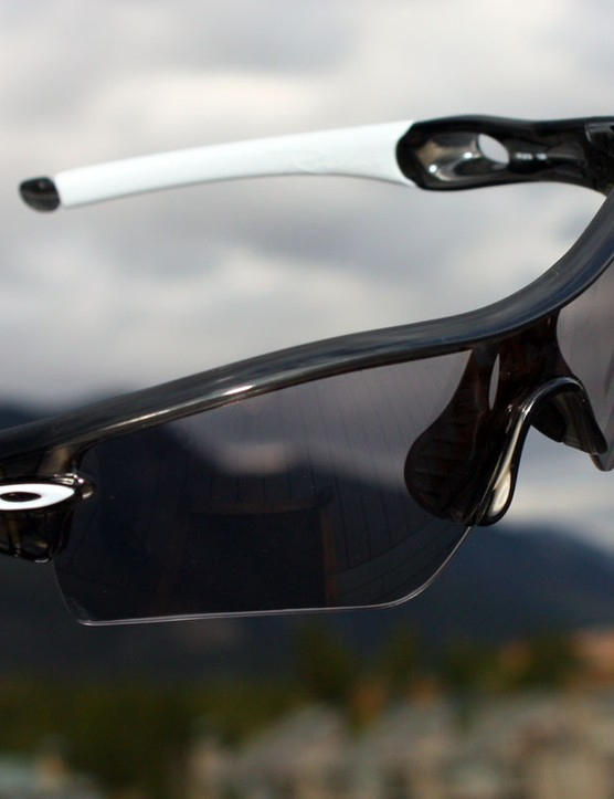 Oakley's new OO-Polarized lenses feature a slightly detuned filter that keeps LCD displays legible