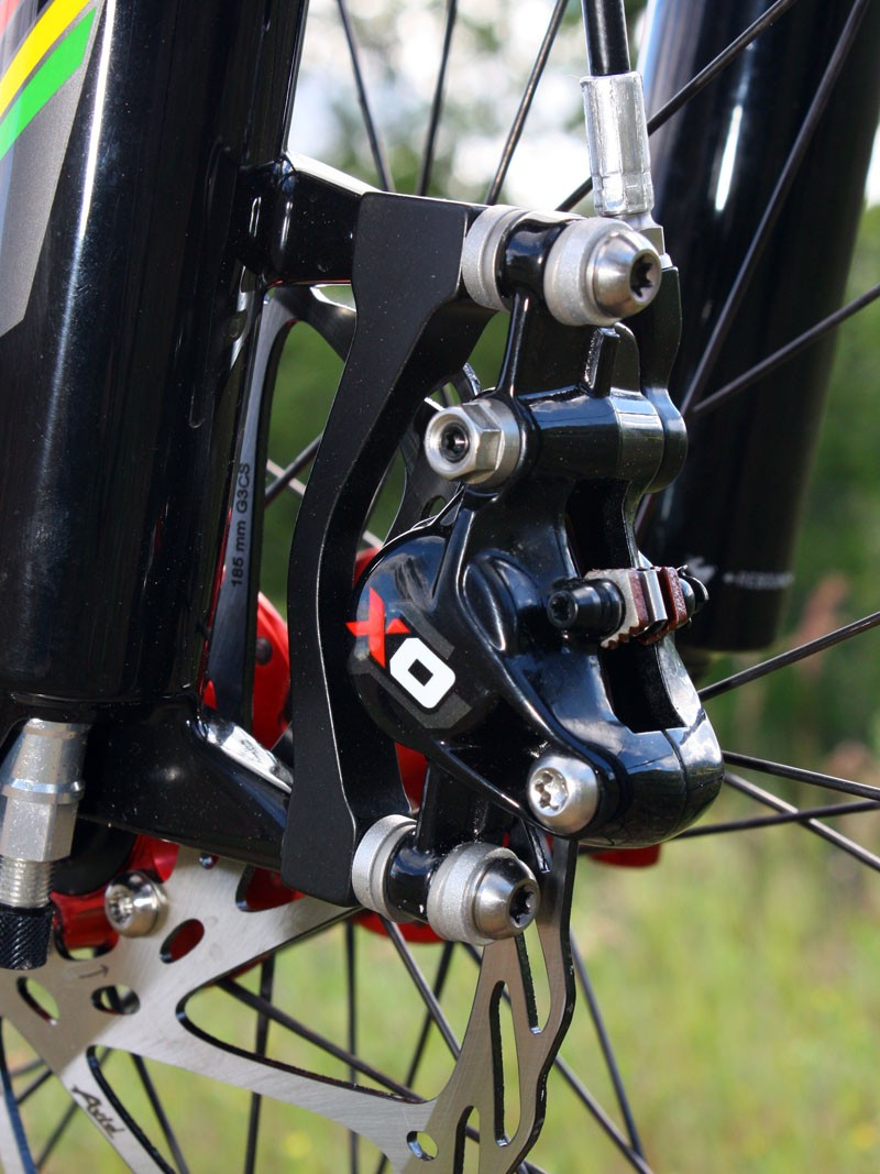 The Avid X.0 calliper is based on last year's Elixir CR Mag. Forged aluminium now replaces magnesium yet the new brake weighs an identical 333g and is supposedly more reliable