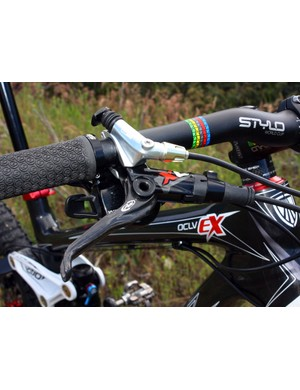 Controls integrate neatly into a single clamp through SRAM's latest Matchmaker X system