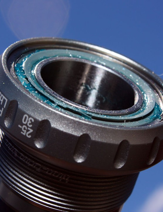 Truvativ have incorporated a new 'Gutter' seal design into nearly all of their bottom bracket designs. According to SRAM's Bryan Bos, seal drag has dropped, water resistance has dramatically improved and bearing durability has increased twofold