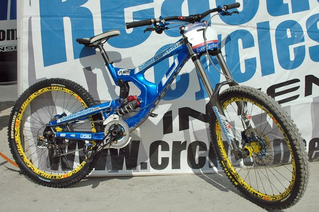Team ChainReactionCycles-Intense were using new 'M9' prototypes at the Fort William World Cup
