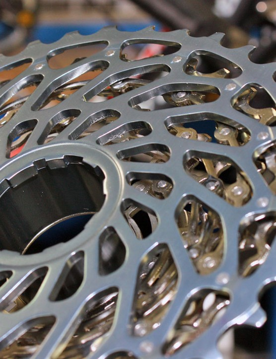 Like on XX's X-Dome cassette, the upcoming XG-1080 PinDome cassette uses an aluminium innermost cog to transfer load to the freehub body