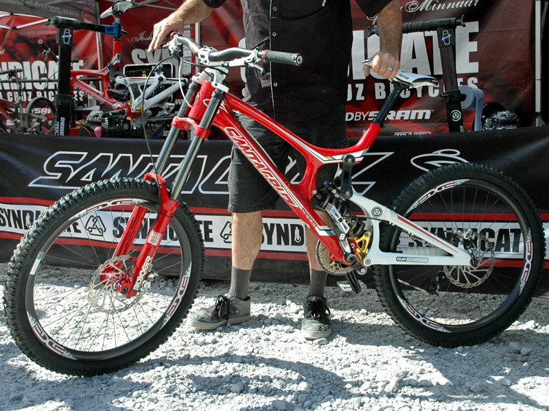 Reigning World Cup champion Greg Minnaar will defend his crown in 2010 aboard this Santa Cruz V10.4 Carbon