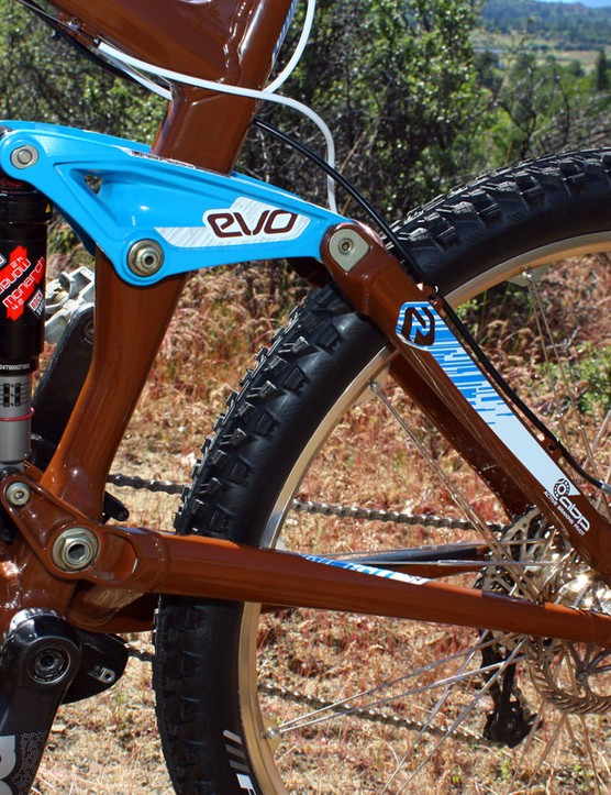 The stout aluminium rear end features Trek's Full Floater, ABP and EVO Link technologies