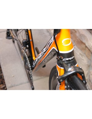 The orange highlights on the down and top tube are draw attention to the SSN feature