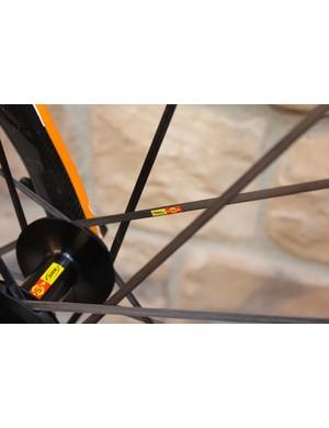The Cosmic SLR utilizes tensioned carbon fiber spokes