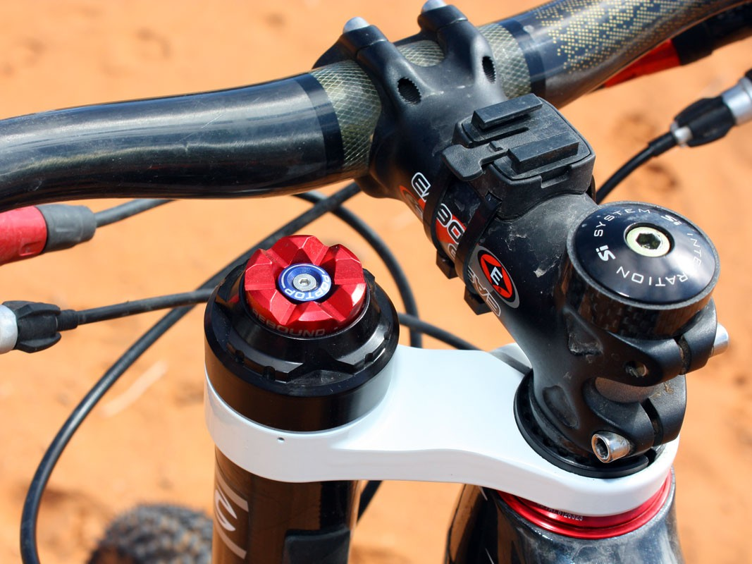 Lockout is engaged simply by pushing down the blue button on the PBR damper