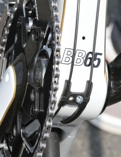 The 695 has an oversize BB65 bottom bracket, so called for its 65mm bearing diameter rather than its width