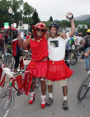 No costume-inspired bicycle event would be complete without some cross dressing