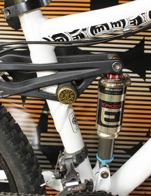 A look at the Salvo's adjustable suspension travel and Joe Six Pack bottle cap rocker link bearing cover