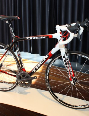 The new 6 Series SSL frame will be offered in two complete models for 2011, including the second-tier Madone 6.7 SSL