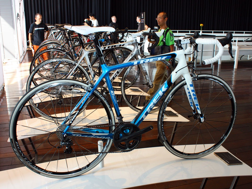 The Trek Madone 5.9 is substantially upgraded from last year with a new 6 Series-like shape and features, 150g less weight and a 15 percent bump in stiffness