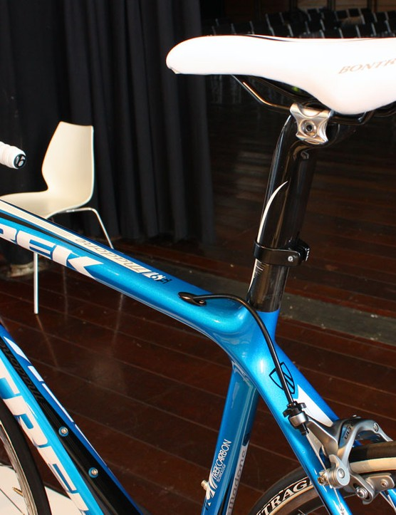 The 6 Series' lighter, round-profile seatmast cap makes its way to the 5 Series for 2011