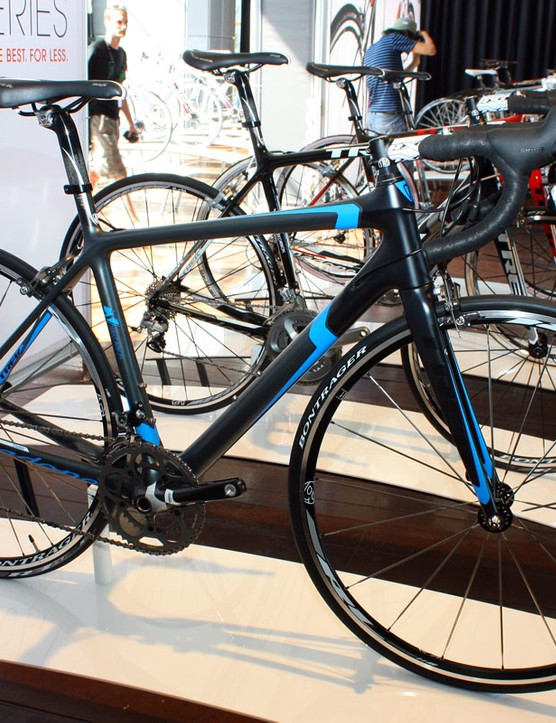 The Madone 5.5 WSD features an especially stealthy paint job