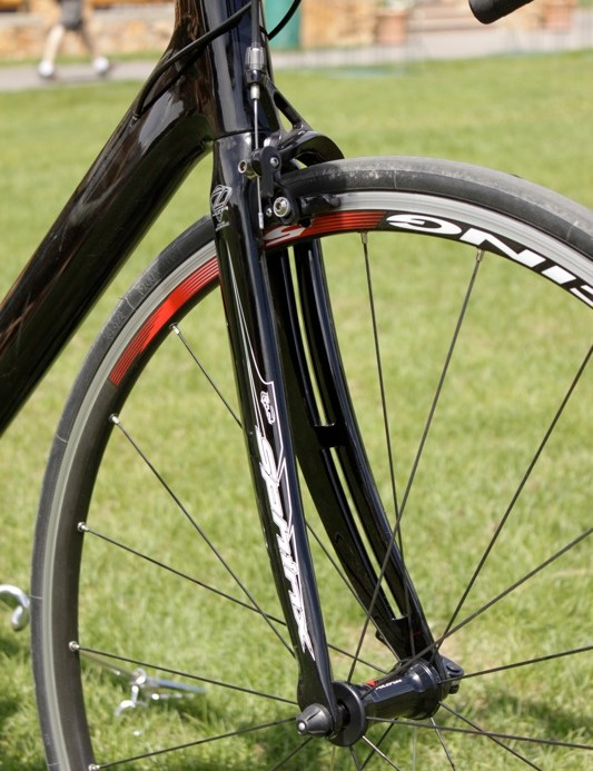 Like the regular Noah, the RS version features an R-Flow aerodynamic fork