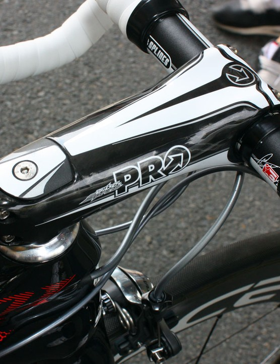 The PRO Vibe Sprint stem isn't part of the frame but its shape complements the Project F01 nicely