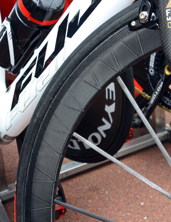 In order to meet UCI crash standards, Reynolds had to infuse each pair of RZR 46 wheels with 100g of Kevlar fibre. The original, lighter version will continue to be available to consumers who aren't worried about racing in UCI events