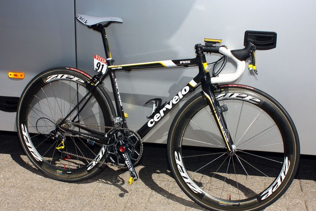 Most of the Cervelo TestTeam are using the company's aero S3 model but team leader Carlos Sastre has decided on the latest R5 instead