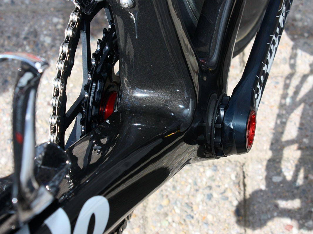The extra-wide BBright bottom bracket's PressFit-30 cups are just visible inboard of the crankarms