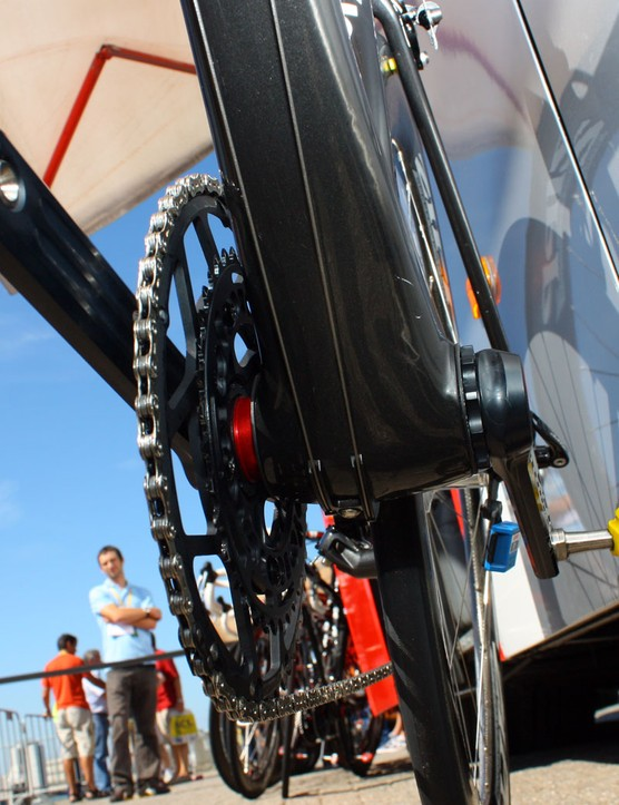 Cervelo take advantage of the BBright standard's dimensions by widening the down tube