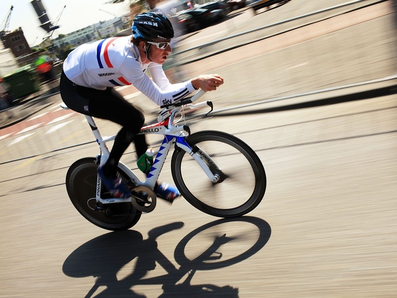 Bradley Wiggins uses O.Symetric's oval Harmonic chainrings in a bid to add power to his pedalling