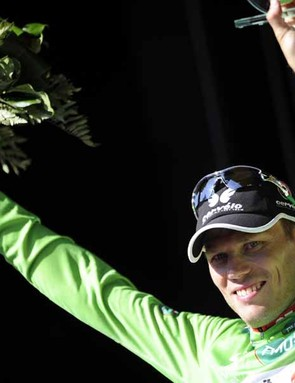 Thor Hushovd has taken the early lead in the green jersey competition