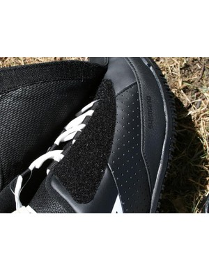 Velcro closure to keep the dirt and water out