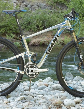 Giant's 2011 Anthem X 29er with 4in (100mm) of Maestro suspension travel