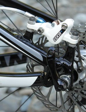 The post mount brake mount helps shave weight from the 2011 Anthem X frame