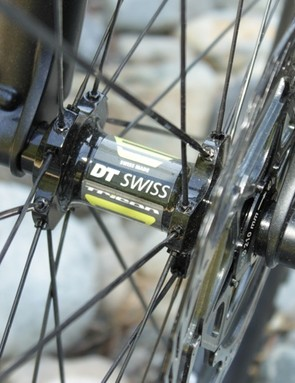 The new Reign sports a DT Swiss Tricon wheelset in a custom matching colour way