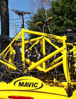 Mavic use Cannondale CAAD9 aluminium frames as the basis for their spare bikes