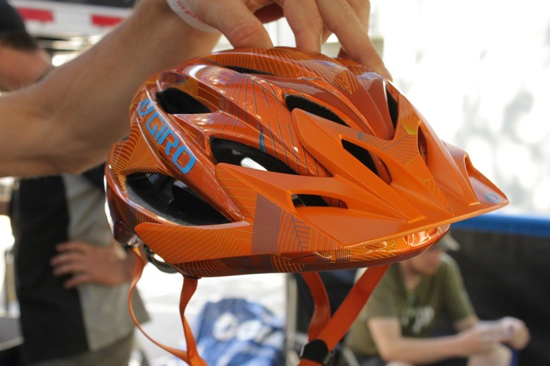 The new Giro Xar is lighter and offers more venting than the current Xen all-mountain model