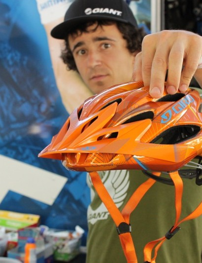 Adam Craig, Rabobank Giant Off Road Team, shows off Giro's new Xar.