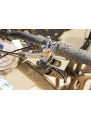 Shimano's XTR Trail brake lever has both reach and Servo-Wave adjustments