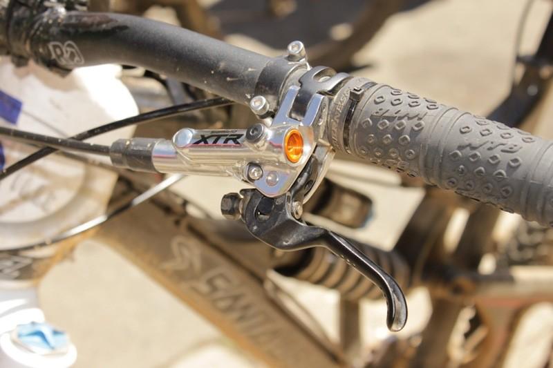 Shimano's XTR Trail brake lever has both reach and Servo-Wave adjustments