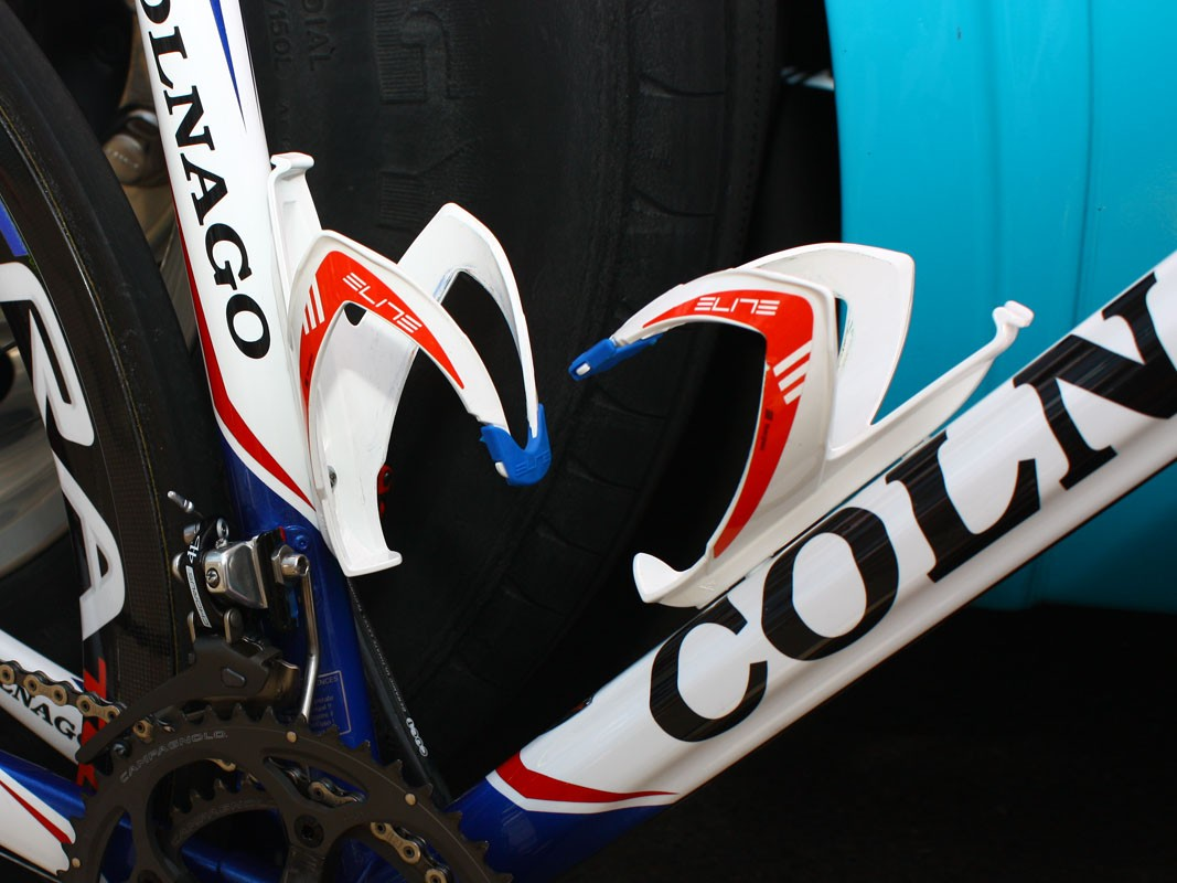 Elite Custom Race bottle cages are coloured to match the French national champion colour scheme