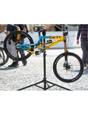 Gwin's Yeti 303DH Factory Team Edition