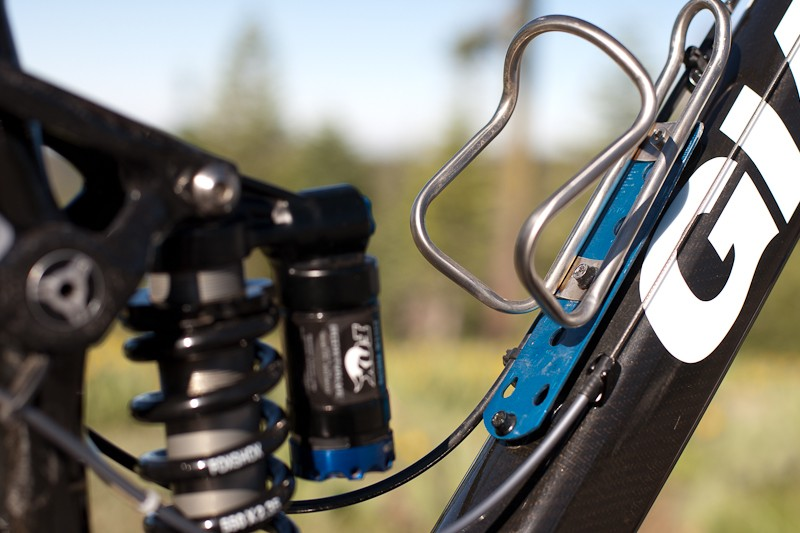 Craig's custom water bottle cage mount