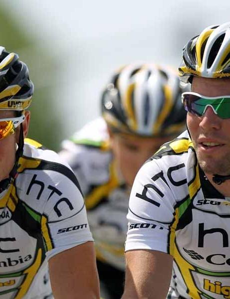 Mark Renshaw (L) was DQ'd from the Tour de France after headbutting Julian Dean in the final sprint
