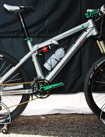 The Liteville 301 Mk8 frame, with Answer Xcite Boost fork and the new Tune 2011 Smartfoot cranks