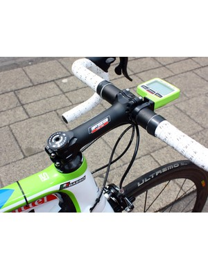 Even at a whopping 140mm long, FSA's OS-115 stem is still quite light