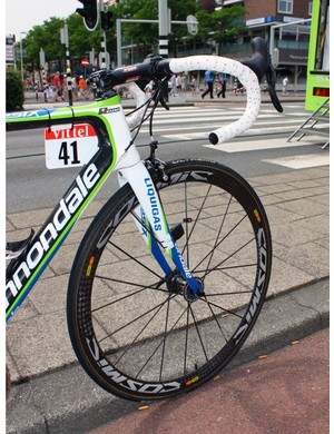 Mavic's Cosmic Carbone Ultimate is unchanged for 2011 save for the addition of neat black reflective decals