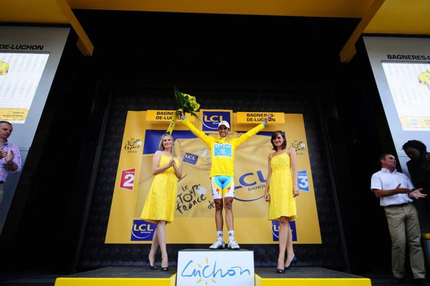 Alberto Contador, now in yellow