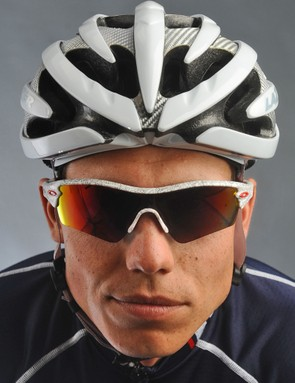 The outer profile is still fairly low profile but not quite as tight as Lazer's own Genesis