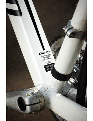 The bottom bracket and down tube create a meaty, rigid centre to the bike