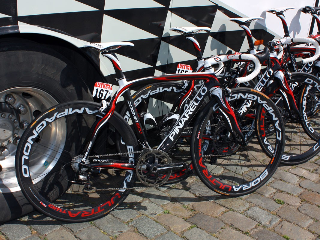 Caisse d'Epargne is riding these Pinarello Dogma 60.1s in this year's Tour de France.