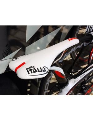 Caisse d'Epargne is using Selle Italia saddles.