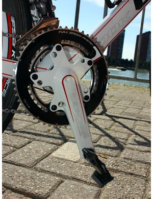One of the defining features of the Cofidis Look 695 is the ultralight Zed 2 crankset.