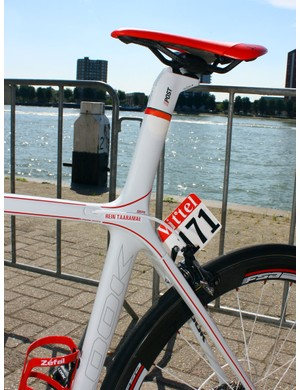 The new Look 695 uses the company's long-running E-Post integrated seatpost design.