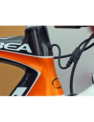 Euskaltel-Euskadi's Orbea Orcas get dedicated internal routing for the team's Shimano Dura-Ace Di2 electronic groups.